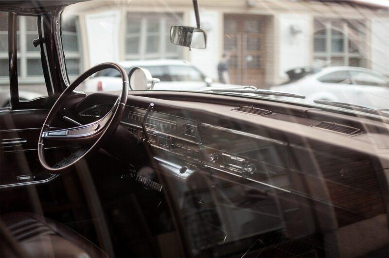 Jak odczytywać oznaczenia na szybach samochodowych?